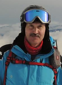 инструктор по горным лыжам сноуборду Алексей Евстегнеев